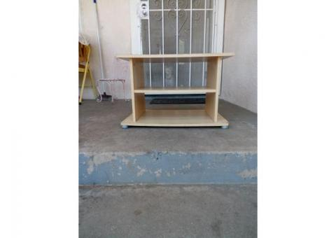 Small wooden table w/ bottom shelves